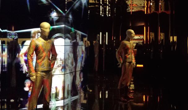 Installatie op de expositie David Bowie is in het Groninger Museum. Foto: Evert-Jan Pol.