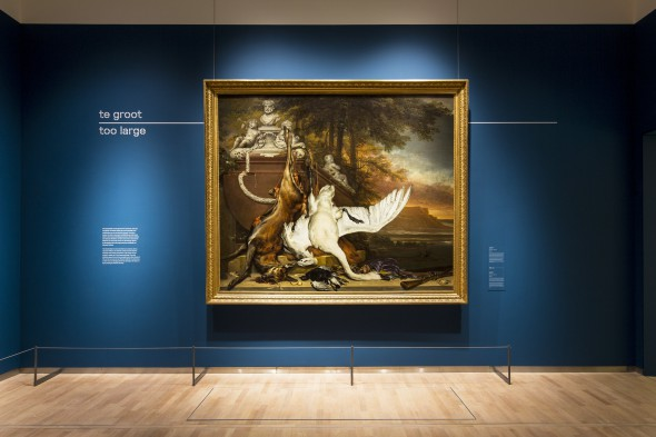 De Dode Zwaan van Jan Weenix op de tentoonstelling Hoogte- en dieptepunten uit het depot in het Mauritshuis, Den Haag. Foto: Ivo Hoekstra.