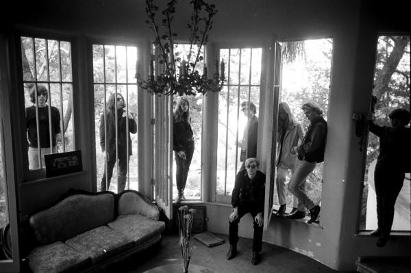 Steve Schapiro, Warhol, Velvet through door.