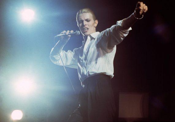 Gijsbert Hanekroot, David Bowie, Rotterdam Ahoy 1976. Courtesy Eduard Planting Gallery.