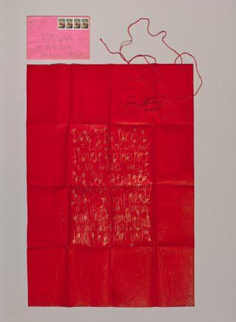 Brief van James Lee Byars aan Flor Bex, 7-12-1985, goud potlood op maat rood papier met rood koordje, 78 x 58 cm.