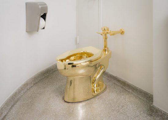 Toiletpot America van Maurizio Cattelan. Foto: Guggenheim New York.