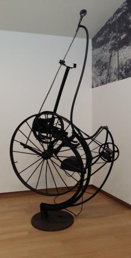 Jean Tinguely, Fontaine, ca. 1960, Stedelijk Museum, Amsterdam.
